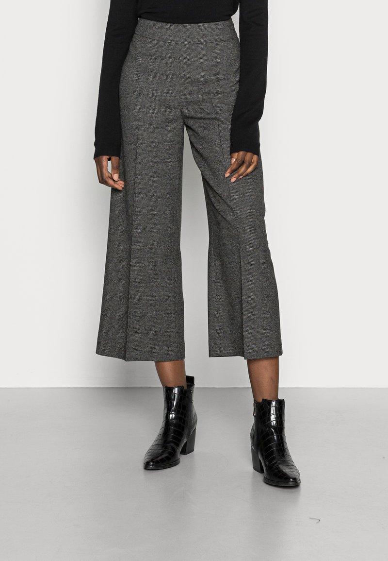 Opus - MISHA - Kalhoty - slate grey melange