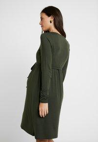 MAMALICIOUS - NURSING DRESS - Jersey dress - climbing ivy - 2