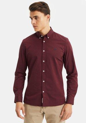 SLIM FIT - Camicia - vintage red