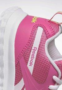 Reebok - Stabilty running shoes - pink - 6