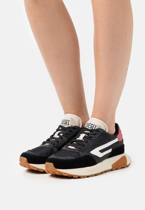 S-TYCHE LL W - Trainers - black/pink