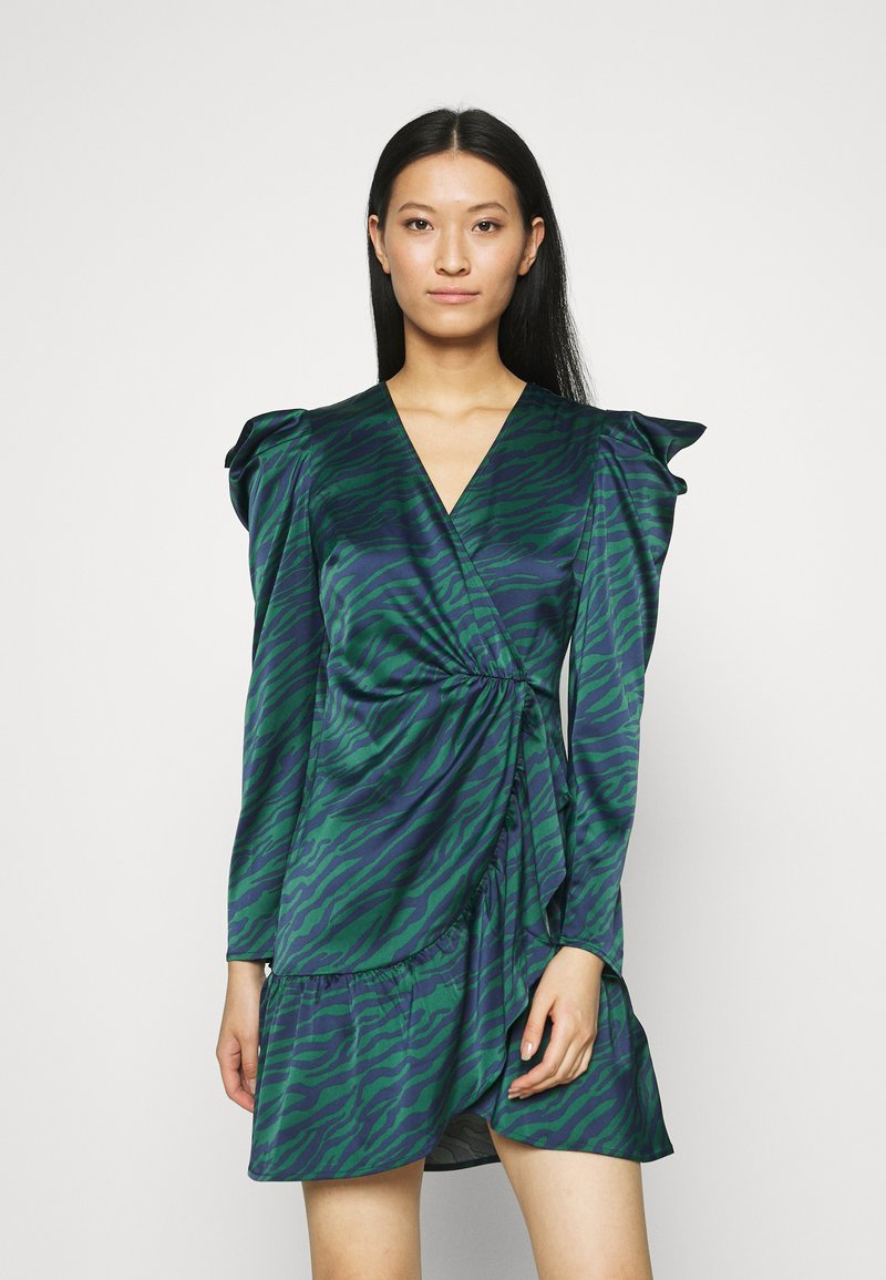 Who What Wear - WRAP OVER PARTY DRESS - Cocktail dress / Party dress - green