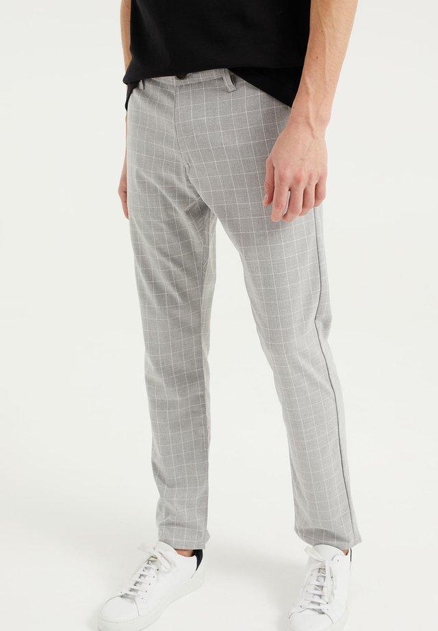 MET STRETCH - Pantalones chinos - light grey