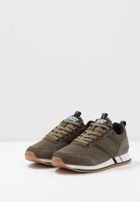 Superdry - FERO RUNNER CORE - Sneaker low - khaki - 2