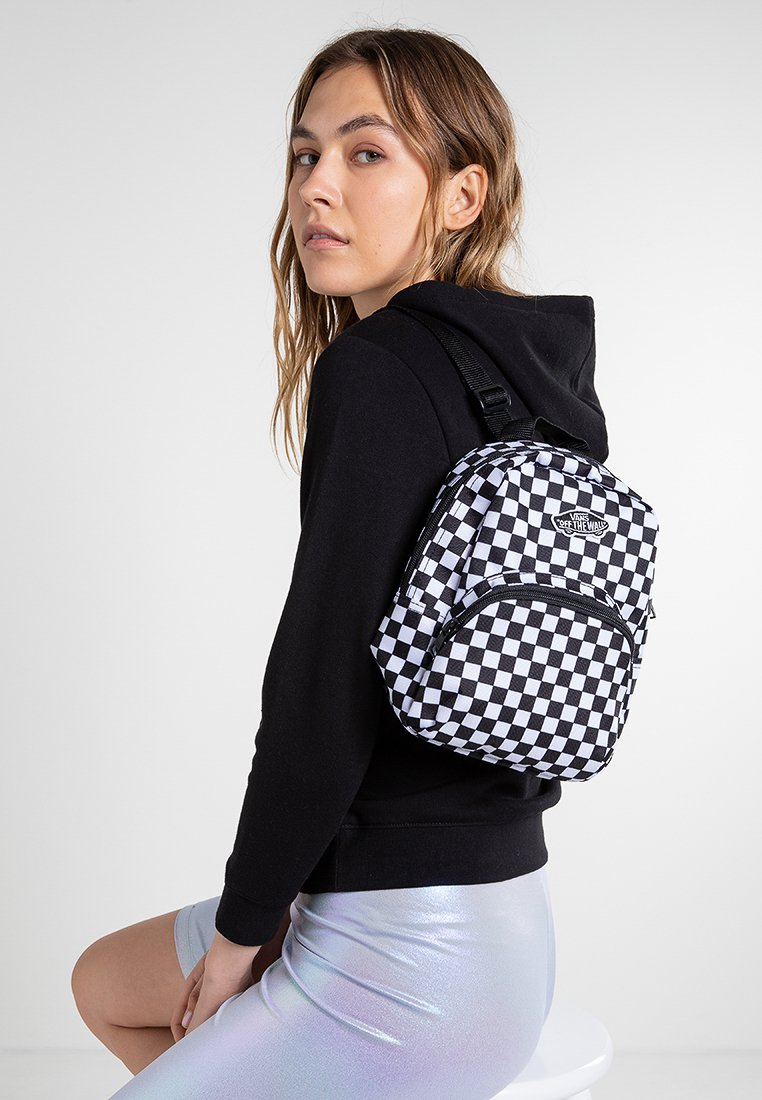 Vans - WM GOT THIS MINI BACKPACK - Rucksack - black-white checkerboard