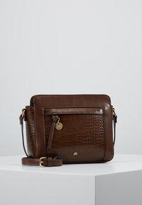 Anna Field - Across body bag - brown - 0