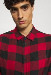 Pier One - Shirt - red/black - 6