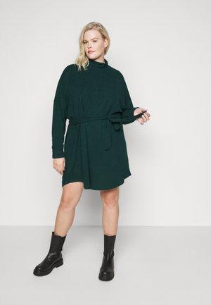 NMCITY AVA SHORT DRESS - Jumper dress - ponderosa pine