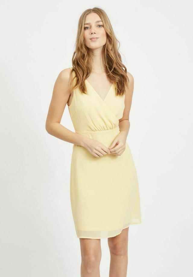 Sukienka koktajlowa - sunlight