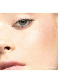 Bobbi Brown - BUDDING CHEEKS & LIPS SET - Makeup set - - - 4