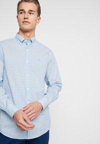 GANT - DITZY HUSK  - Hemd - white/blue - 0
