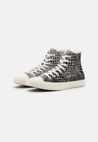 Converse - CHUCK TAYLOR ALL STAR CROC PRINT - Vysoké tenisky - egret/black - 1