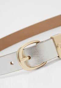 Tommy Hilfiger - OVAL BUCKLE BELT - Belt - silver - 2