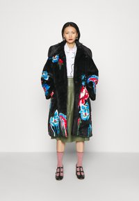 Vivetta - FUR COAT - Classic coat - black - 1