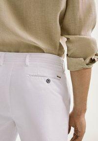 Massimo Dutti - Shorts - white - 3