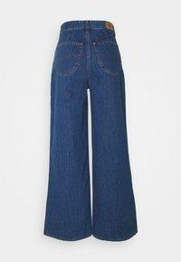Lee - STELLA A LINE - Flared Jeans - mid jelt - 1