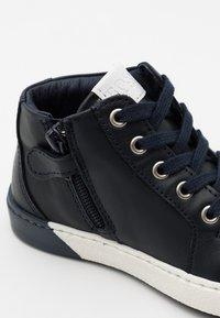 BOSS Kidswear - TRAINERS - Baskets montantes - navy - 5