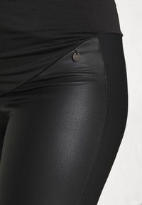 LOVE2WAIT - Legginsy - black - 4