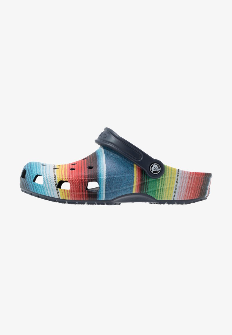 Crocs - CLASSIC STRIPED - Tresko - multicolor/navy