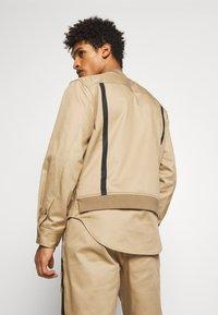 3.1 Phillip Lim - JACKET REMOVABLE TAIL - Krátký kabát - sand - 2