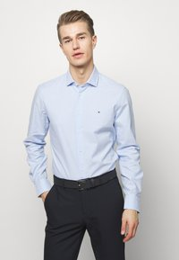 Tommy Hilfiger Tailored - WASHED OXFORD CLASSIC SLIM - Formal shirt - blue - 0