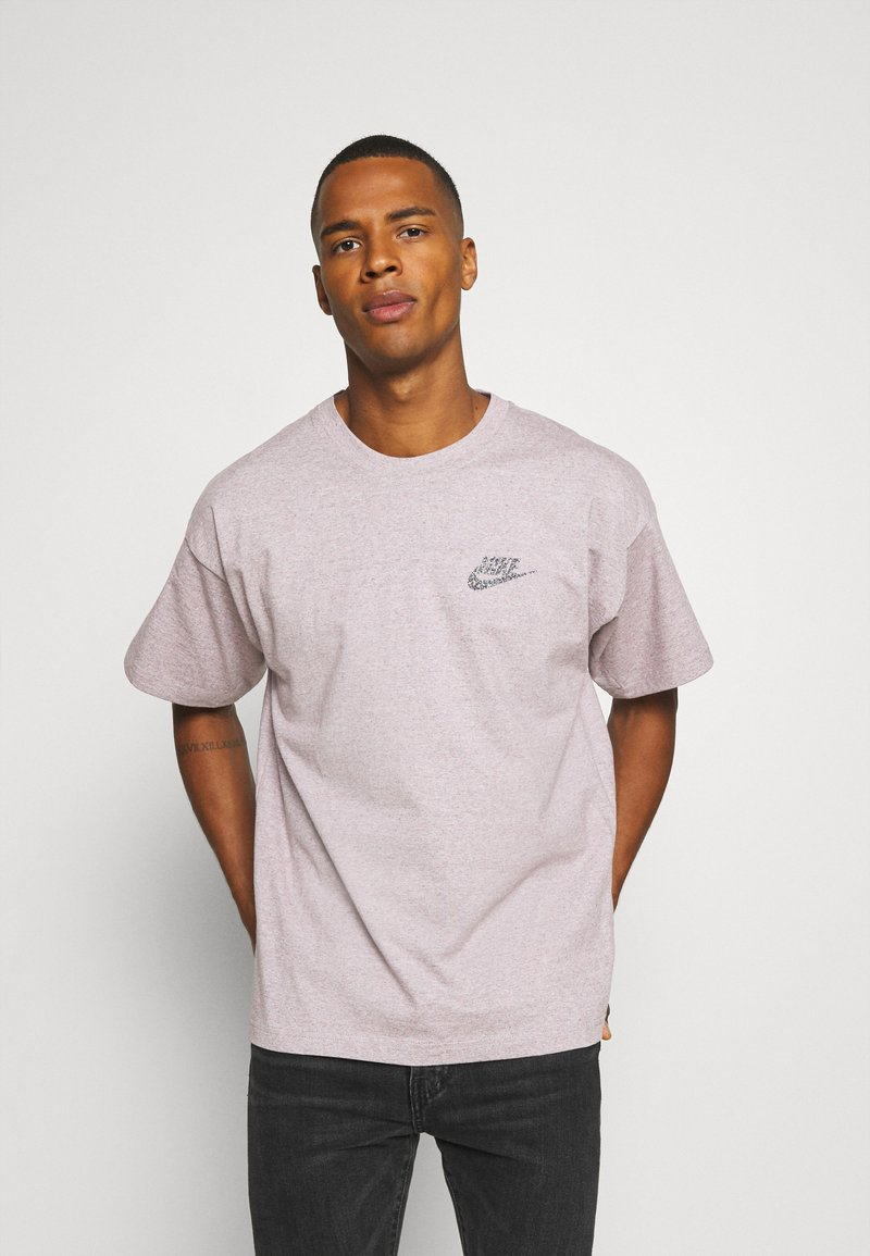 Nike Sportswear - Basic T-shirt - multi coloured/red