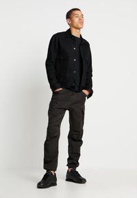 G-Star - ROXIC STRAIGHT TAPERED - Cargo trousers - raven - 1