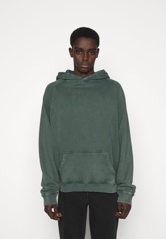 HEAVYWEIGHT HOODED RAGLAN - Huppari - fade out green