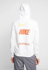 Nike Sportswear - CLUB HOODIE - Hættetrøjer - white - 3