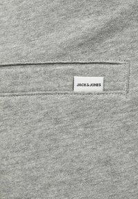 Jack & Jones - 2 PACK - Shorts - black, mottled black, grey - 6