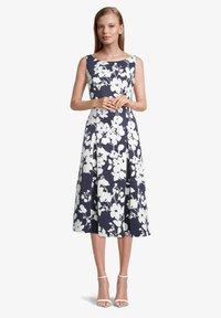 Vera Mont - MIT BLUMENPRINT - Cocktail dress / Party dress - dark blue/cream - 0