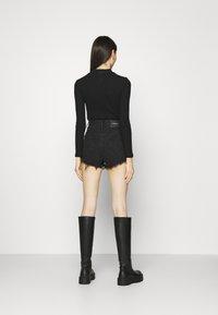 PULL&BEAR - Szorty jeansowe - black - 2