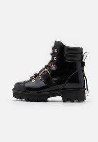 Red V - COMBAT BOOT - Kotníkové boty na platformě - nero - 1