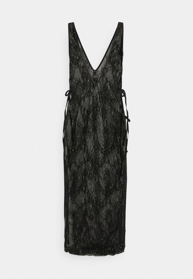 THE GLISTENING BOXED DRESS - Nattlinne - black