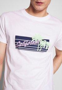 Bellfield - CALIFORNIA  - Print T-shirt - white - 3