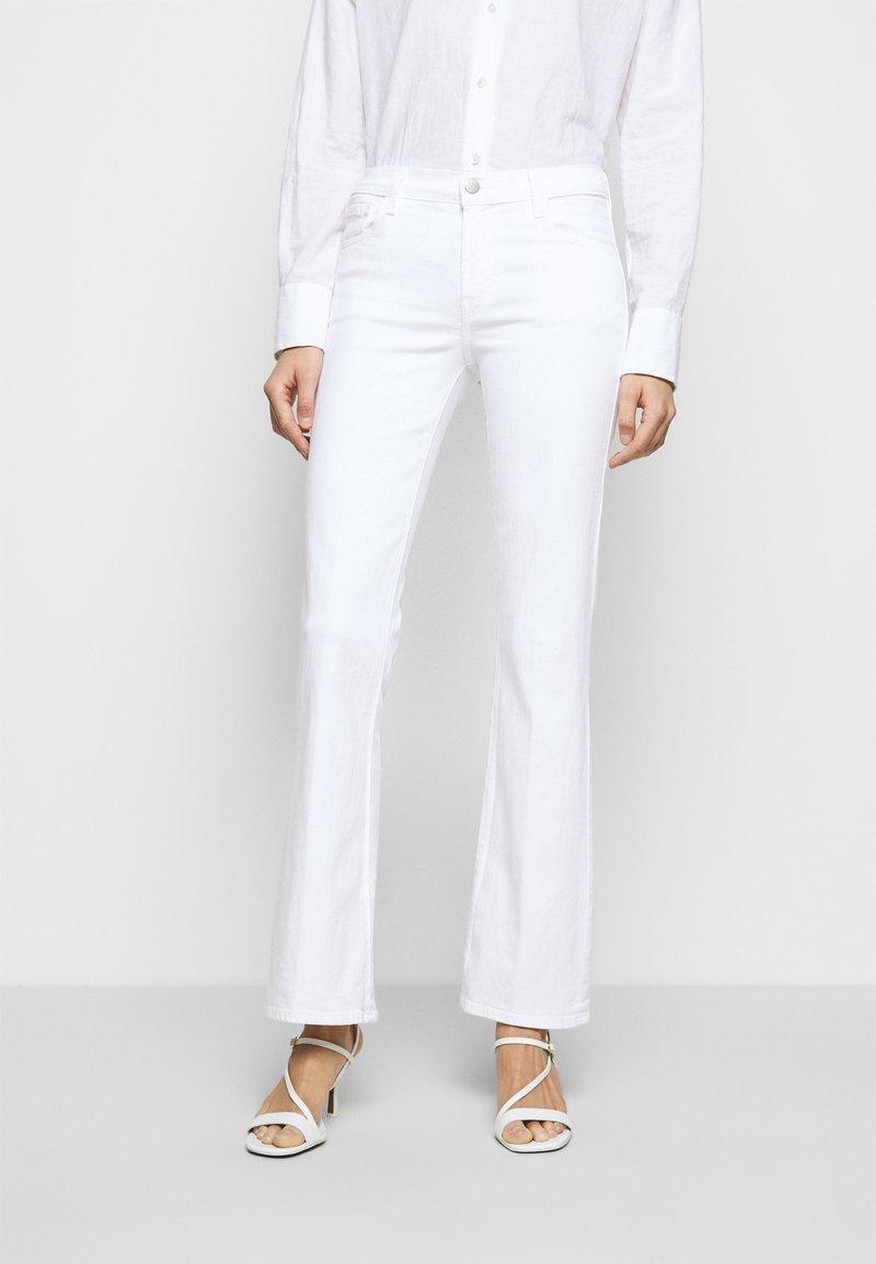 J Brand - SALLIE MID RISE BOOT - Bootcut jeans - blanc
