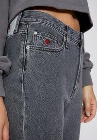 Calvin Klein Jeans - HIGH RISE STRAIGHT - Straight leg jeans - denim grey - 6