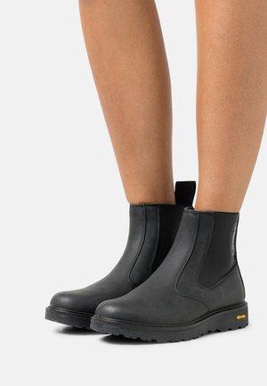 GRETNA - Støvletter - black