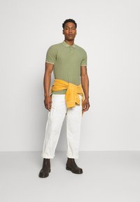 Only & Sons - ONSPAGE SLIM WASHED - Polotričko - oil green - 1