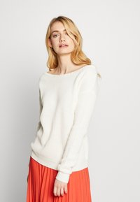 Missguided Tall - OPHELITA OFF SHOULDER JUMPER - Jumper - off white - 0