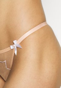 Agent Provocateur - LORNA THONG - Thong - nude/ivory - 4