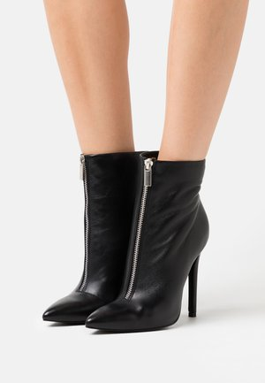 LEATHER - High Heel Stiefelette - black