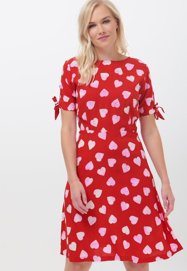 MARYANA BIG HEART - Day dress - red
