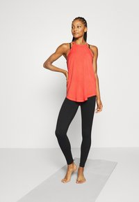 Yogasearcher - YOGAM - Top - red - 1