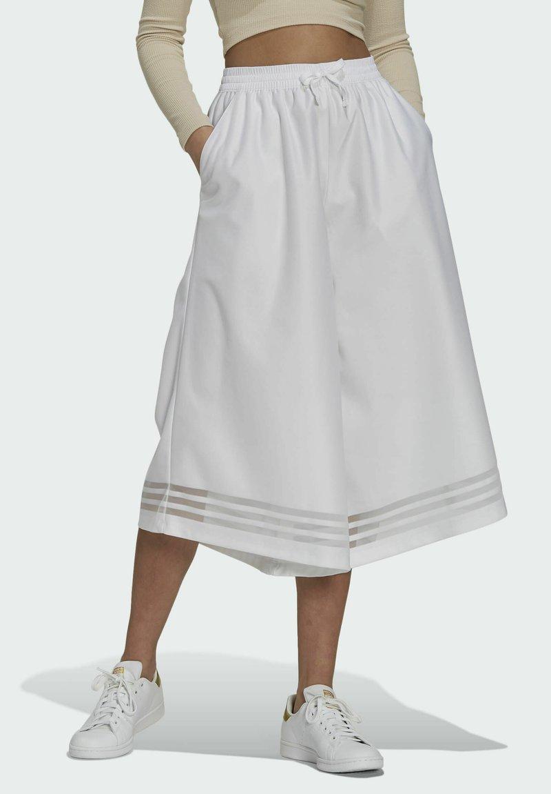 adidas Originals - Pantalones - white