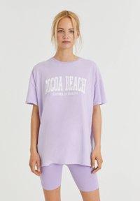 PULL&BEAR - Print T-shirt - mauve - 0