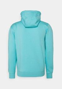 Tommy Jeans - REGULAR HOODIE - Sweat à capuche - chlorine blue - 1