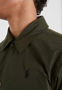 Polo Ralph Lauren - COACHES JACKET - Lehká bunda - company olive - 3
