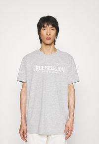 True Religion - CREWNECK TRUE LOGO - Print T-shirt - greymarl - 0