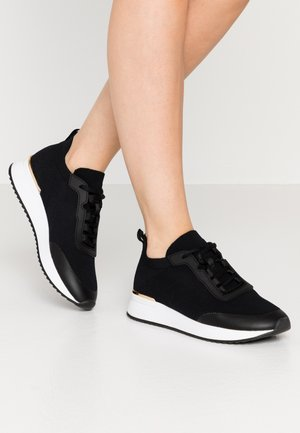 EOWYCIA - Trainers - black